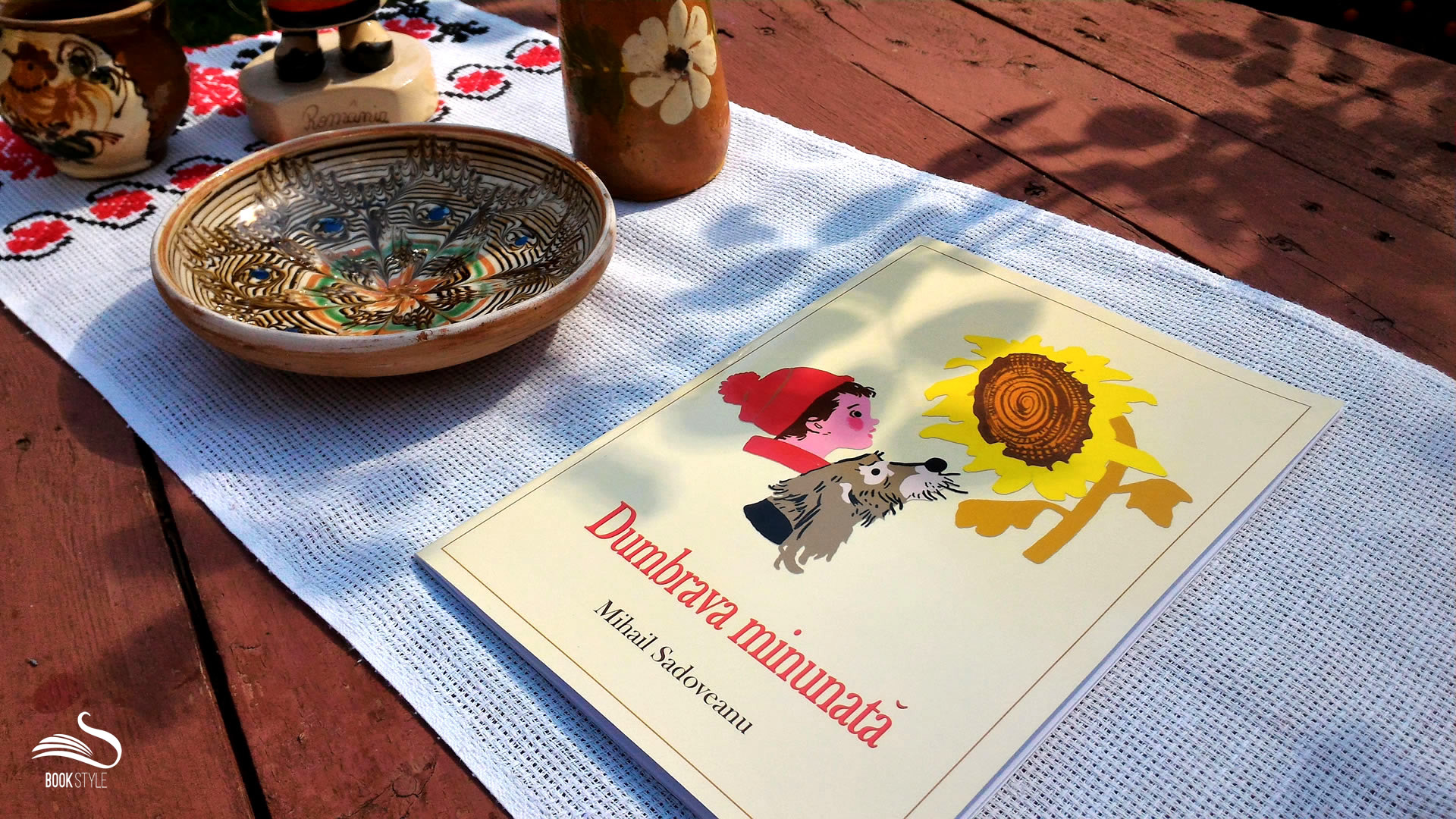 Dumbrava minunată, de Mihail Sadoveanu - Editura Mihail Sadoveanu ISBN 978-606-93355-2-9