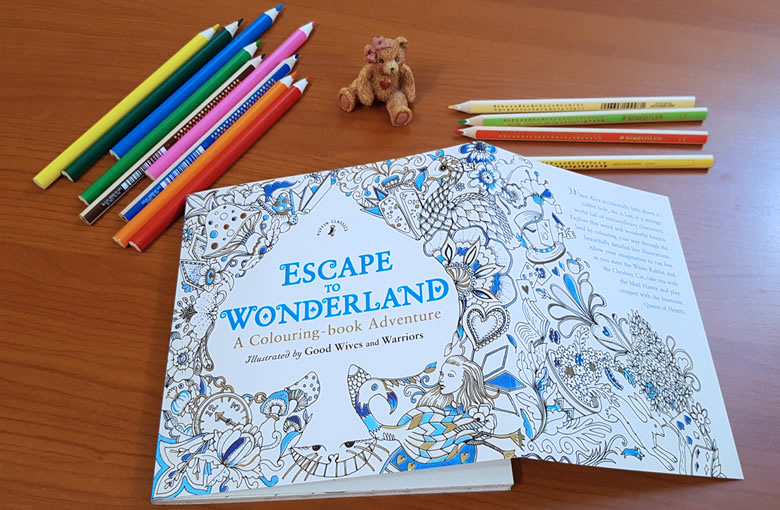 Escape to Wonderland - A Colouring-book Adventure - Good Wives and Warriors - Puffin Classics - ISBN: 9780141366159