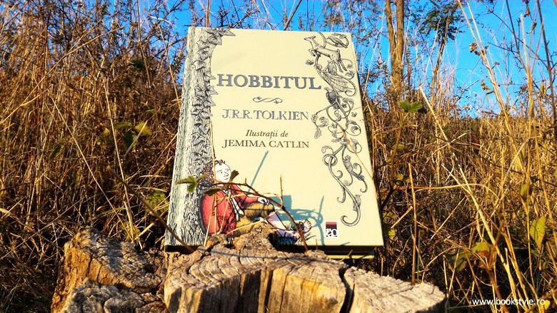 Hobbitul, o aventură minunată cu gnomi, elfi și troli fioroși, de J.R.R. Tolkien