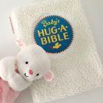 Biblia ilustrata pentru copii - Baby's Hug-a-Bible - ISBN: 9780061566219