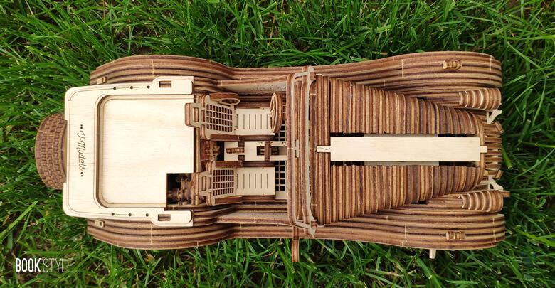 Puzzle lemn 3D Ugears - Automobil Model Roadster VM-01